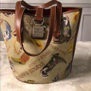 Dooney & Bourke western bucket bag